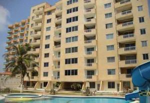 Apartamento En Ventaen Tucacas, Tucacas, Venezuela, VE RAH: 18-10763