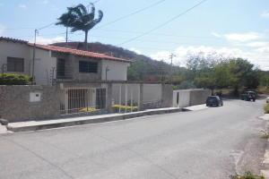 Casa En Ventaen Barquisimeto, Colinas De Santa Rosa, Venezuela, VE RAH: 18-10016