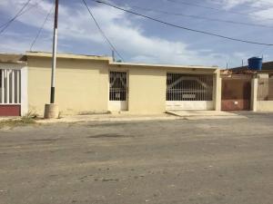 Casa En Ventaen Punto Fijo, Dona Emilia, Venezuela, VE RAH: 18-10045