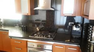 Apartamento En Alquileren Maracaibo, Avenida El Milagro, Venezuela, VE RAH: 18-10221