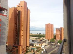 Apartamento En Alquileren Maracaibo, El Milagro, Venezuela, VE RAH: 18-10369