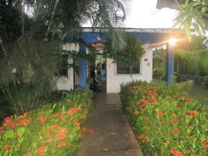 Casa En Ventaen Higuerote, Club Campestre El Paraiso, Venezuela, VE RAH: 18-10240