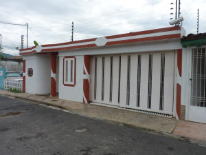 Casa En Ventaen La Morita, Villas Caribes, Venezuela, VE RAH: 18-10259