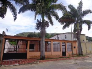 Casa En Ventaen La Victoria, El Recreo, Venezuela, VE RAH: 18-10273