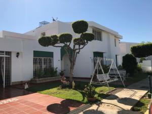 Townhouse En Alquileren Maracaibo, Fuerzas Armadas, Venezuela, VE RAH: 18-10276