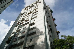 Apartamento En Ventaen Caracas, Caricuao, Venezuela, VE RAH: 18-10309