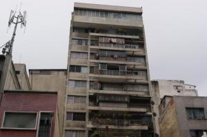 Apartamento En Ventaen Caracas, Parroquia La Candelaria, Venezuela, VE RAH: 18-9122