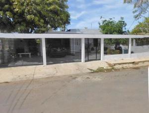 Casa En Ventaen Punto Fijo, Judibana, Venezuela, VE RAH: 18-10353