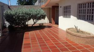 Casa En Alquileren Maracaibo, La Limpia, Venezuela, VE RAH: 18-10514