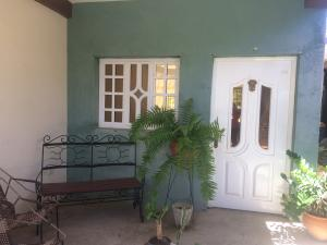 Casa En Ventaen Punto Fijo, Las Margaritas, Venezuela, VE RAH: 18-10534