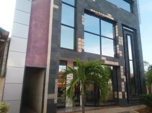 Edificio En Alquileren Ciudad Ojeda, Intercomunal, Venezuela, VE RAH: 18-10610
