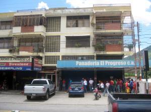 Apartamento En Ventaen Maracay, El Limon, Venezuela, VE RAH: 18-10648