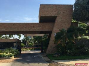 Apartamento En Ventaen Lecheria, Complejo Turistico El Morro, Venezuela, VE RAH: 17-12320