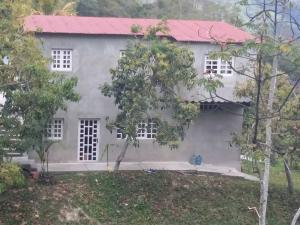 Casa En Ventaen San Antonio De Los Altos, El Amarillo, Venezuela, VE RAH: 18-10719