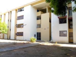 Apartamento En Alquileren Maracaibo, Avenida Goajira, Venezuela, VE RAH: 18-10388