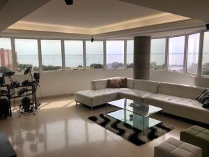 Apartamento En Ventaen Maracaibo, El Milagro, Venezuela, VE RAH: 18-10727