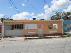 Casa En Ventaen Maracay, La Esmeralda, Venezuela, VE RAH: 18-10739