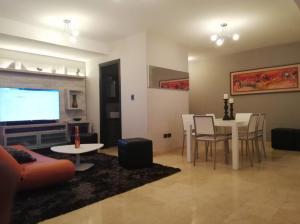 Apartamento En Ventaen Maracaibo, El Milagro, Venezuela, VE RAH: 18-10740
