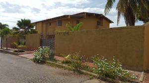 Casa En Ventaen Coro, Los Orumos, Venezuela, VE RAH: 18-10846