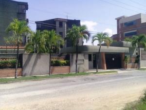 Apartamento En Ventaen Higuerote, Agua Sal, Venezuela, VE RAH: 18-10804