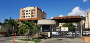 Apartamento En Ventaen Municipio Naguanagua, El Rincon, Venezuela, VE RAH: 18-10841