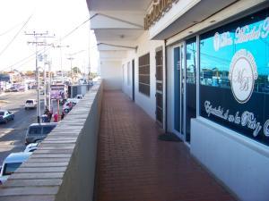 Local Comercial En Ventaen Punto Fijo, Puerta Maraven, Venezuela, VE RAH: 18-10844