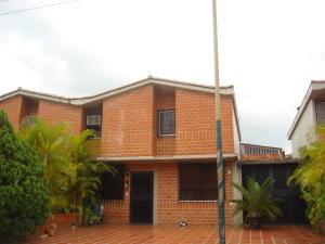 Townhouse En Ventaen Guarenas, Nueva Casarapa, Venezuela, VE RAH: 18-10853