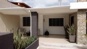 Casa En Ventaen Maracay, La Floresta, Venezuela, VE RAH: 18-10960