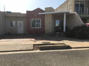 Casa En Ventaen Punto Fijo, Las Virtudes, Venezuela, VE RAH: 18-11070