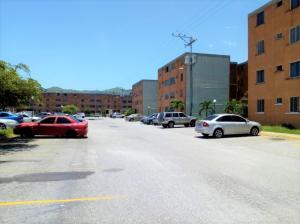 Apartamento En Ventaen Municipio San Diego, El Tulipan, Venezuela, VE RAH: 18-11085