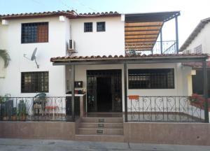 Casa En Ventaen Cabudare, Parroquia José Gregorio, Venezuela, VE RAH: 18-11108