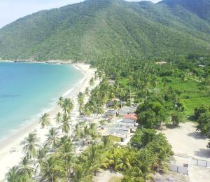 Terreno En Ventaen Municipio Costa De Oro, Bahia De Cata, Venezuela, VE RAH: 18-11112