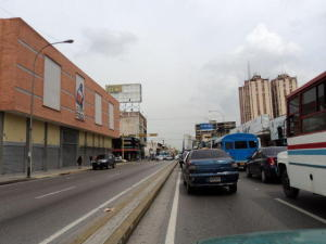 Local Comercial En Alquileren Maracay, Zona Centro, Venezuela, VE RAH: 18-11113