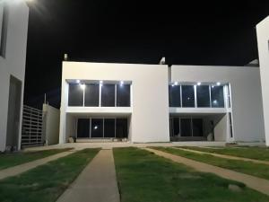 Apartamento En Ventaen Coro, Villas De Ibiza, Venezuela, VE RAH: 18-6765