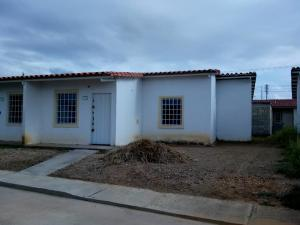 Casa En Ventaen Guacara, Ciudad Alianza, Venezuela, VE RAH: 18-11165