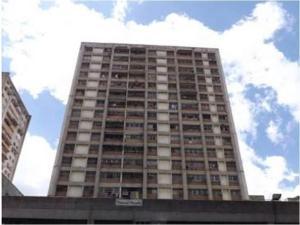 Apartamento En Ventaen Caracas, Parroquia Santa Rosalia, Venezuela, VE RAH: 18-11232