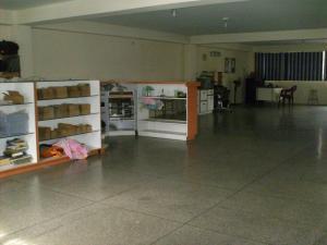 Local Comercial En Ventaen La Victoria, Bolivar, Venezuela, VE RAH: 18-11149