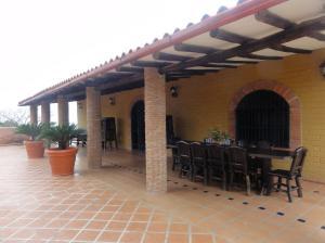 Casa En Ventaen Paso Real, Parroquia Diego Lozada, Venezuela, VE RAH: 18-11174