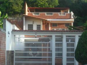 Casa En Ventaen Guatire, Contry Villas, Venezuela, VE RAH: 18-10616