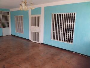 Casa En Ventaen Barquisimeto, Parroquia Tamaca, Venezuela, VE RAH: 18-11187