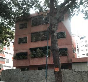 Apartamento En Ventaen Caracas, Los Chaguaramos, Venezuela, VE RAH: 18-11196