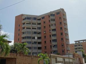 Apartamento En Ventaen Catia La Mar, Playa Grande, Venezuela, VE RAH: 18-11233