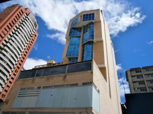 Oficina En Ventaen Caracas, Sabana Grande, Venezuela, VE RAH: 18-11245