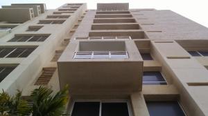 Apartamento En Ventaen Maracaibo, La Lago, Venezuela, VE RAH: 18-11297