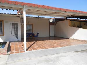 Casa En Ventaen Guacara, Ciudad Alianza, Venezuela, VE RAH: 18-11296