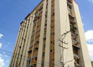 Apartamento En Ventaen Maracay, Zona Centro, Venezuela, VE RAH: 18-11305