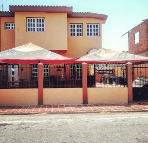 Casa En Ventaen Punto Fijo, Caja De Agua, Venezuela, VE RAH: 18-11329