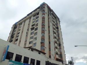 Apartamento En Ventaen Valencia, Avenida Bolivar Norte, Venezuela, VE RAH: 18-11423