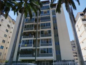 Apartamento En Ventaen Valencia, Trigal Centro, Venezuela, VE RAH: 18-11499
