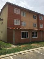 Apartamento En Ventaen Guatire, Alto Grande, Venezuela, VE RAH: 18-11545